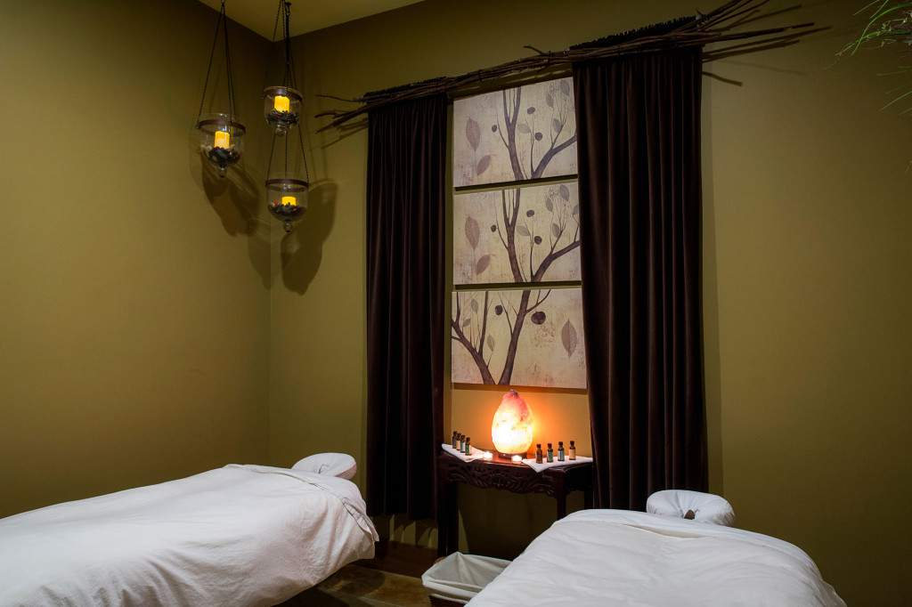 Couples massage - Rapunzels Salon and Spa - Canmore